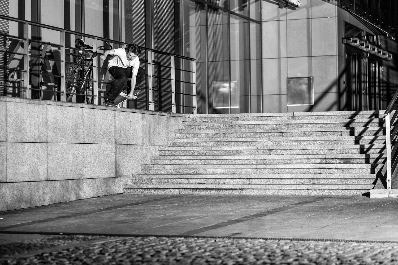 Ride on bs nosegrind, yank out / Kraków / foto: Kuba Bączkowski